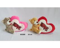 Medvedík držiaci srdce 15cm